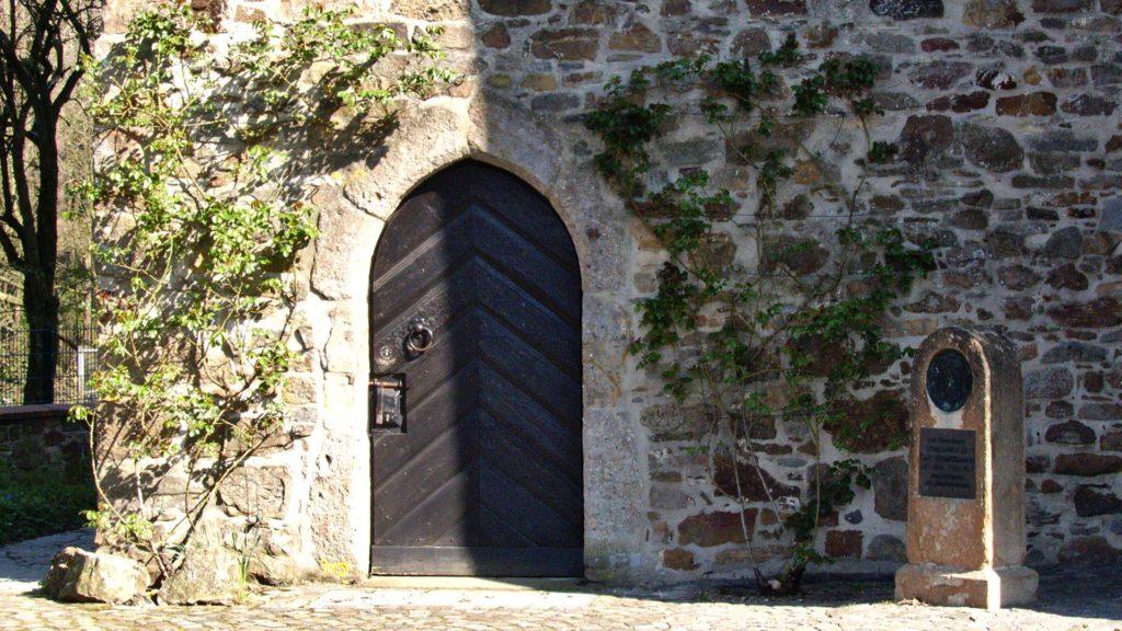 Eingangstür zur Alten St. Alexanderkirche